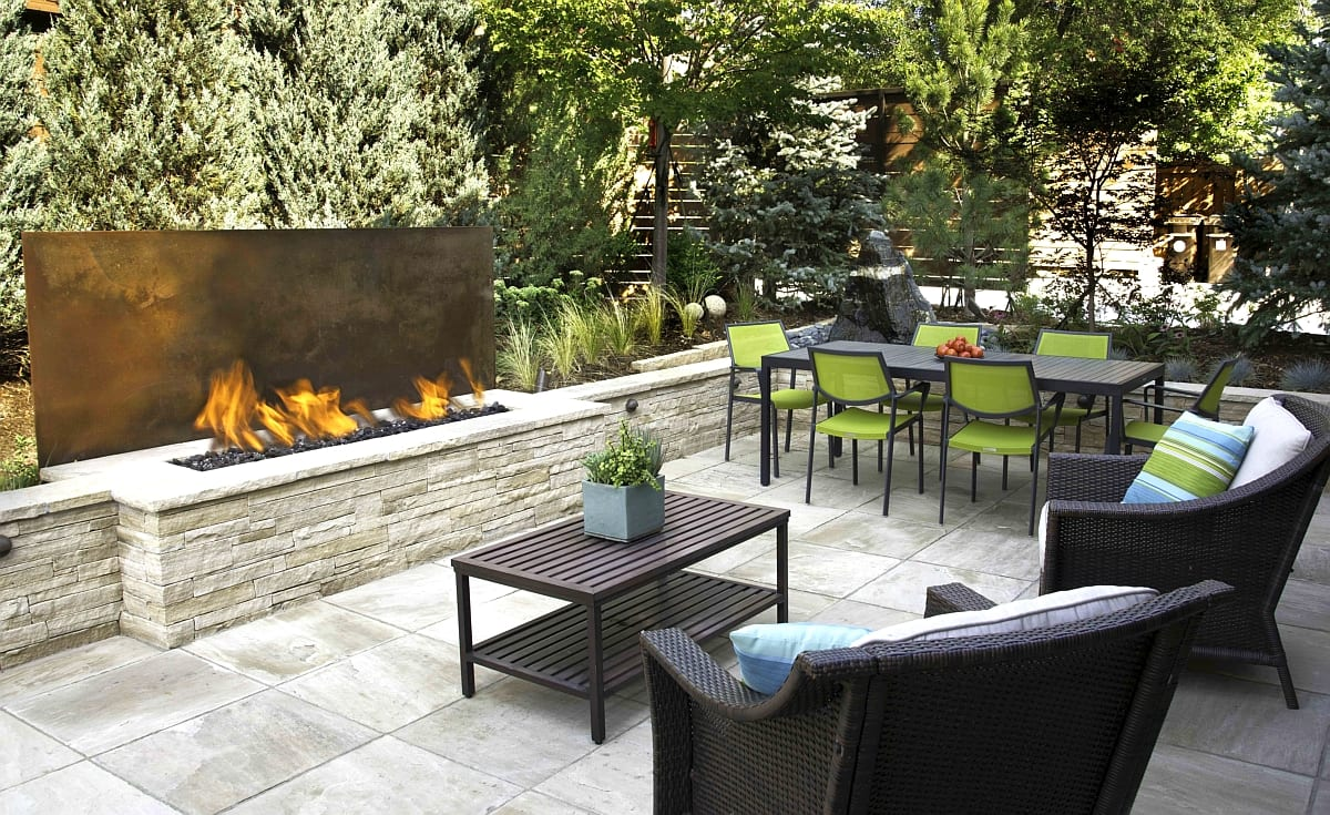 outdoor living space fire pit patio